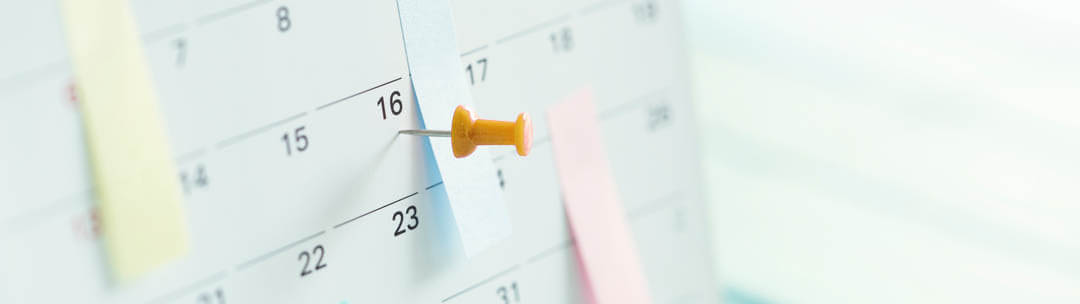 Verkaufsgespräch vor- und nachbereiten für ein optimales Ergebnis - Nadel zeigt einen Termin im Kalender an